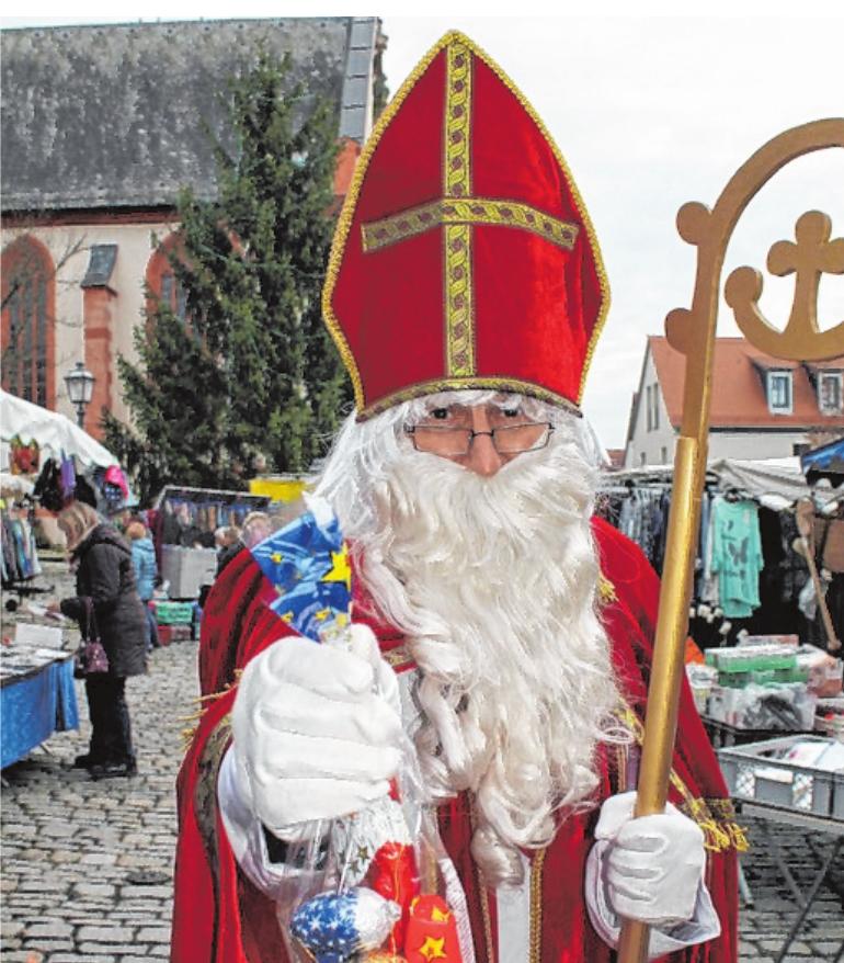 Der Nikolaus wird den Weihnachtsmarkt am Dienstag zwischen 15 und 17 Uhr besuchen. FOTO: BRIGITTE SCHUBART