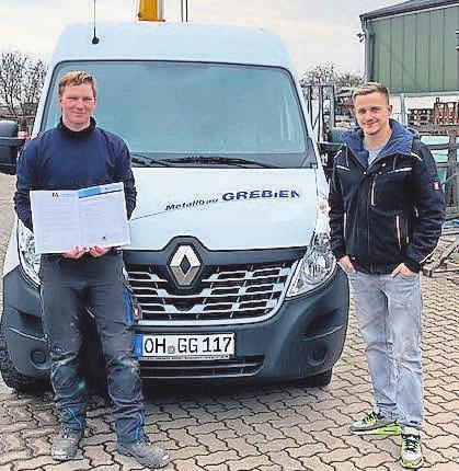 Lucas Heuser (links, mit Gerrit Grebien) erhielt die beste Prüfungsnote.
