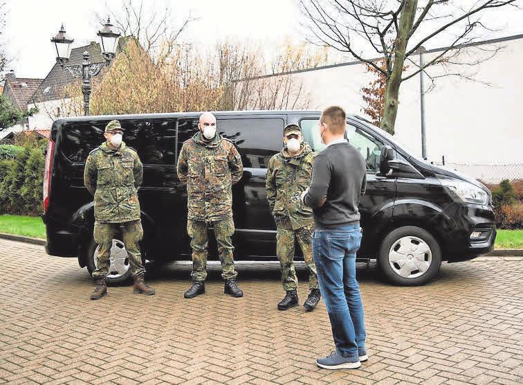 """Soldaten aus Luttmersen stehen dem """"Haus Gehrden"""" als Hilfe für die Bewältigung der regelmäßig durchzuführenden Schnelltests zur Verfügung."""