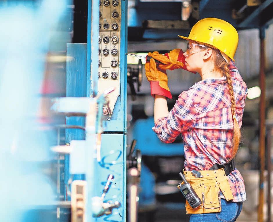 GESTALTET: Für Elektroniker und Elektronikerinnen gilt seit August 2018 eine neue Ausbildungsordnung. Getty Images/iStockphoto