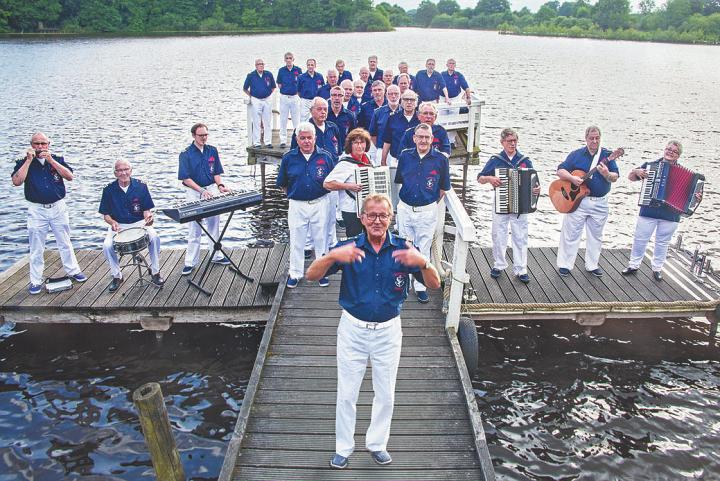 Der Shanty-Chor Paloma wird die Gäste des diesjährigen Sommerfests im Rosenhof Großhansdorf 2 musikalisch über die Wellen geleiten.