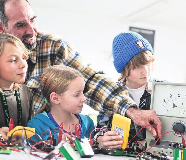 """""""Jugend forscht"""" ermuntert Kinder, ein eigenes Forschungsprojekt zu erarbeiten. Foto: Stiftung Jugend forscht e. V."""