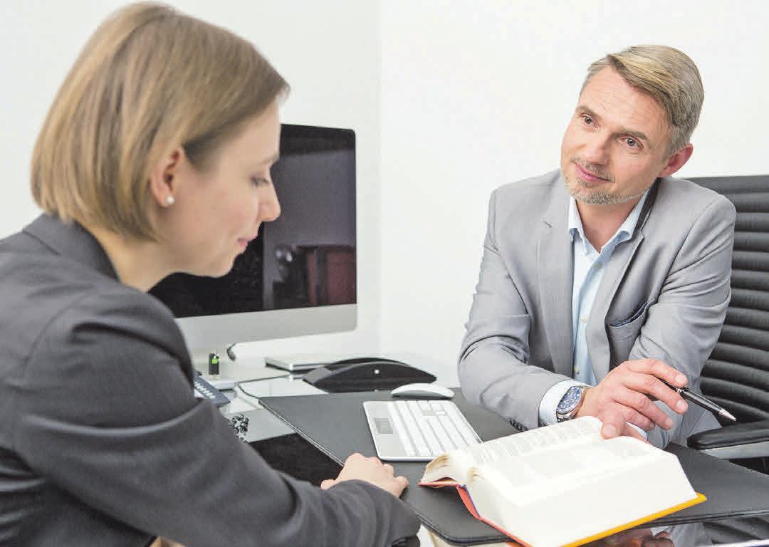 Ein Steuerberater bietet professionelle Unterstützung für Privatleute und Unternehmen an. Foto: Marco Baass