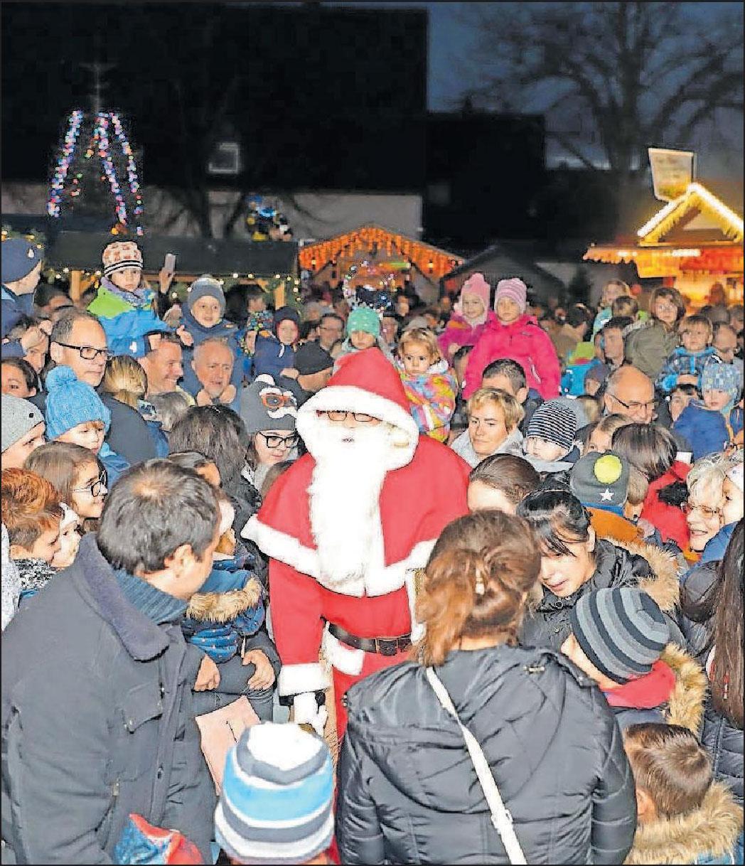 Der Nikolaus wird am Sonntagnachmittag auf dem gleichnamigen Markt vor dem Carl-Bosch-Haus erwartet. FOTOS: GRAF/HOFFMANN/FREI