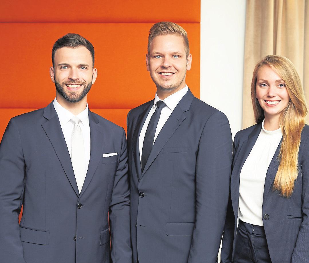 Spezialisten für die Vermittlung hochwertiger Immobilien, die Geschäftsführer Florian Jäger, Sven Schröder und Michelle Klotz (v.li.) Foto: Dahler & Company