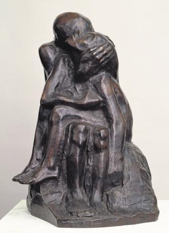 """Die Plastik """"Liebespaar II"""" (1913) von Käthe Kollwitz. FOTO: ROMAN MÄRZ / STAATLICHE MUSEEN ZU BERLIN, NATIONALGALERIE"""