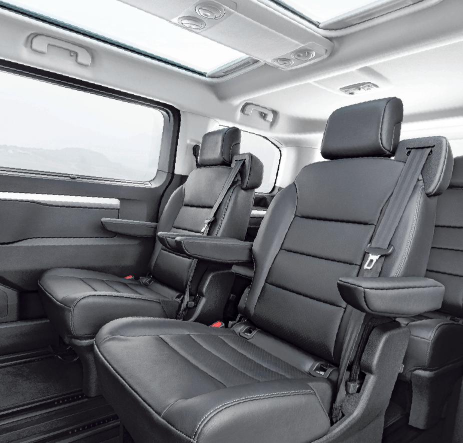 Für mehr Beinfreiheit lassen sich die Sitze in der zweiten Reihe verschieben, umklappen oder mit dem Vis-à-vis-Konzept konfigurieren. FOTOS: OPEL/AUTOMOBILE SPIEGLER