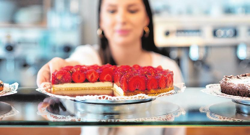 Köstliche Torten werden im Kaffeehaus serviert Foto: Johannes Oehmen / Oehmen Digital Studio GmbH,https:// oehmen.studio