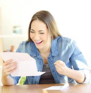 Mit Versicherungen Steuern sparen: Die Freude ist groß, wenn das Finanzamt beim Steuerausgleich Geld zurückzahlt Foto: djd/Nürnberger Versicherung/Adobe Stock/Antonio Guillem