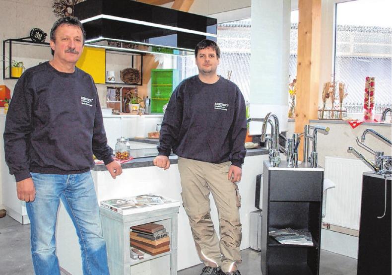 """Bäder, Küchen, Massivholzmöbel – das Repertoire der Firma Rebstock in Melchingen umfasst das komplette Schreinerhandwerk. """"Wir passen in keine Schublade"""", lautet denn auch pfiffig und vielsagend ihr Motto. Foto: Badura"""
