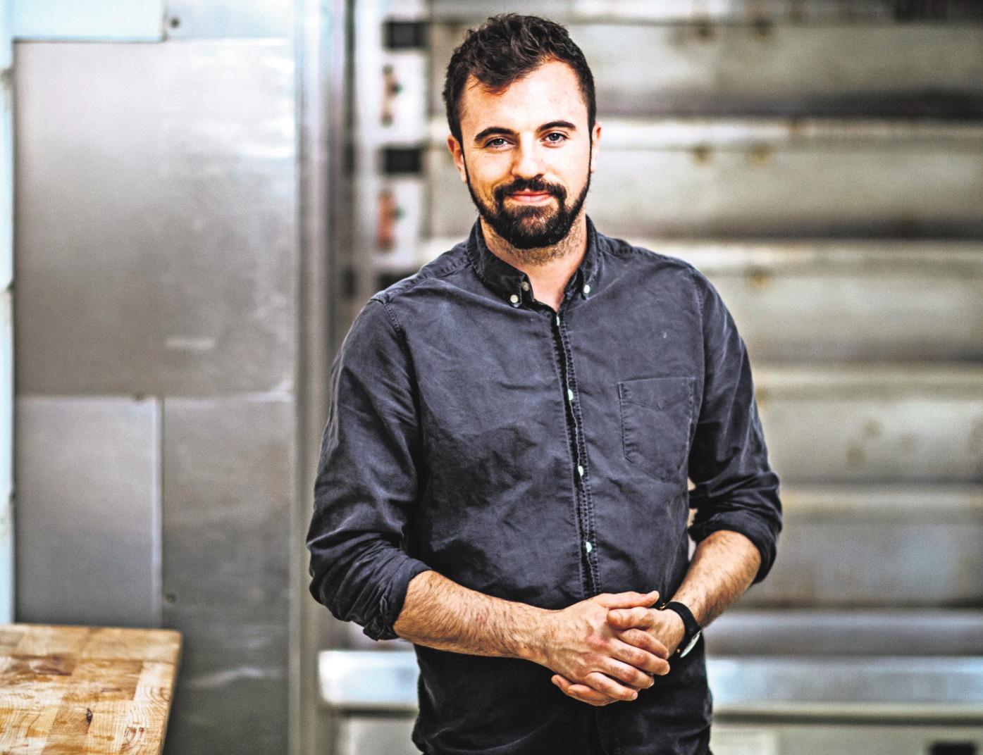 Bäcker Francesco Ingrassia geht neue Wege: Er setzt auf Bio-Qualität, lebt sein Handwerk und zeigt das seinen Kunden. Foto: Königsbäck