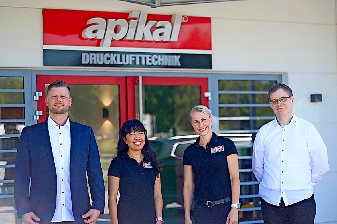Das Team im Apikal-Neubau im Gewerbepark Eschbach (v.l.): Andreas Epp, Kalyan Phan, Jana Epp und Patrick Wiesler