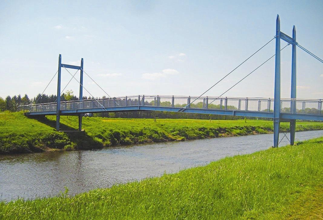 Auch Geländer von flussüberspannenden Brücken sind für Metallverarbeitung Marschalck kein Problem.