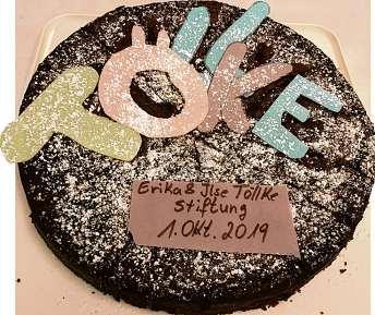 Zur Feier des Tages gab es eine Torte. Fotos: Chateaubourg