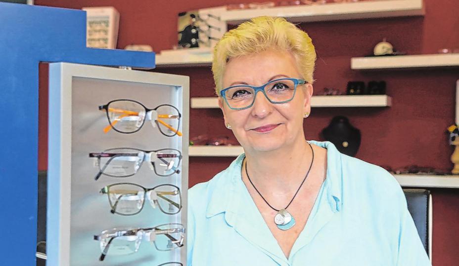 Brillen, die ausgedient haben, sind viel zu schade, um sie weg zu schmeißen. Martina Kettler spendet diese an bedürftige Menschen in Lateinamerika. Foto: Jörg König