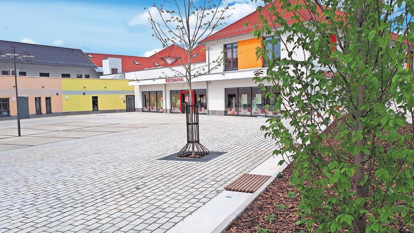 Bei dem Carree handelt es sich nicht um einen geschlossenen Einzelbau. Vielmehr ist das Projekt gegliedert und hat einen Marktplatzcharakter erhalten.