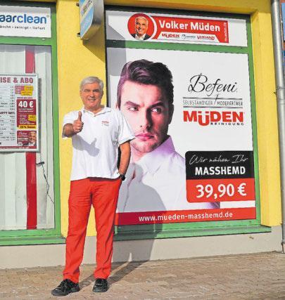 Volker Müden freut sich auf die neu angebrachte Werbung für die Kooperation mit Befeni. Foto: Stefan Bohlander