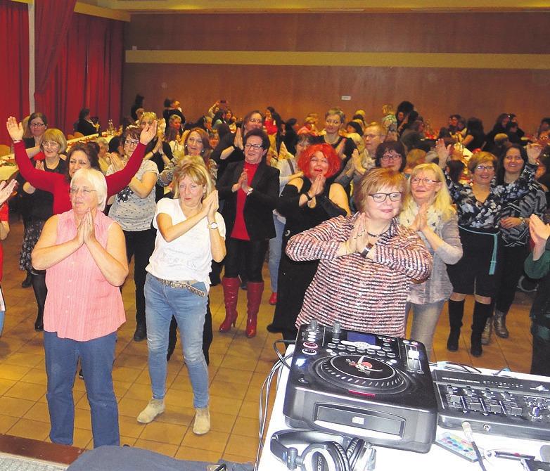 """Auch letztes Jahr fand das internationale Frauenfest mit """"DJane Soundschwester"""" im Mehrgenerationenhaus statt. Foto: Archiv"""