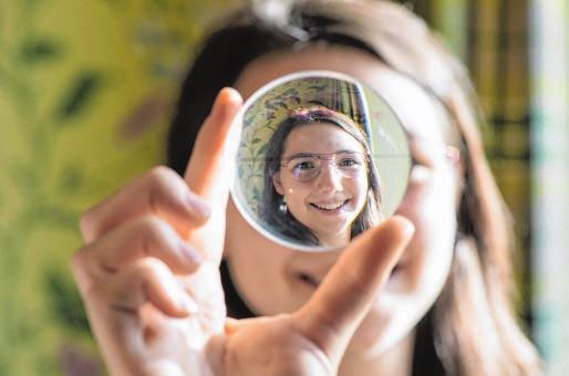 Weitsichtig, kurzsichtig, gekrümmte Hornhaut? Je nach Problem müssen Augenoptiker die richtigen Gläser für Kunden wählen.
