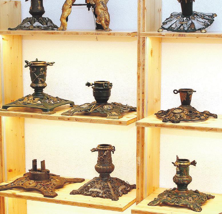 Bundes- oder vielleicht sogar weltweit einmalig: das Lienzinger Museum mit ständig gezeigten rund 350 Christbaumständern.
