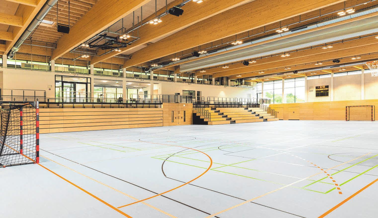 Die Marquardt Halle ist eine Zweifach-Sporthalle mit einer teilbaren, rund 1.300 Quadratmeter großen Hallenfläche und ausfahrbaren Teleskoptribünen sowie 380 Sitzplätzen.