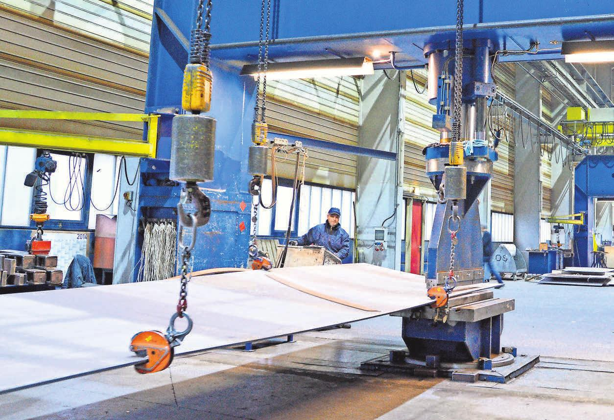 Die Stralsunder Firma Ostseestaal GmbH & Co. KG ist spezialisiert auf die dreidimensionale Kaltverformung von Blechen.
