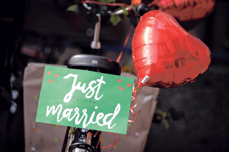 So könnte das Hochzeitsfahrzeug aussehen. FOTO: SINA SCHULDT