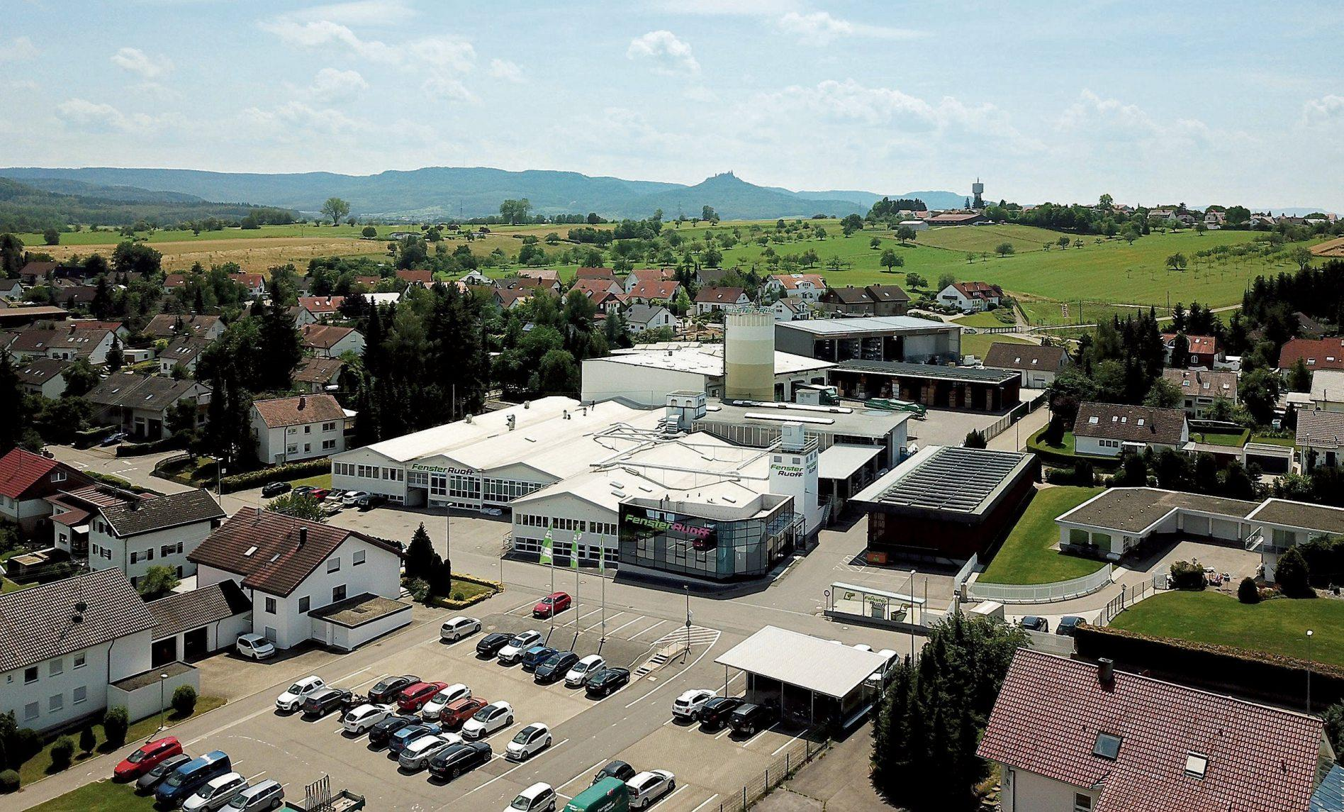 Das Firmengelände der Firma Ruoff in der Zeppelinstrasse 8 bis 12 in Bodelshausen: 8500 Quadratmeter reine Produktionsfläche und 2500 Quadratmeter Lagerfläche stehen hier zur Verfügung. Bilder: Fenster Ruoff