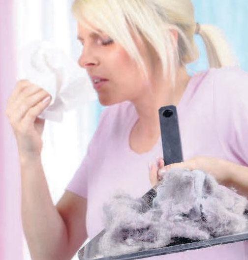 Hausstaub lässt sich nicht komplett vermeiden, aber mit einigen Hilfsmitteln reduzieren.