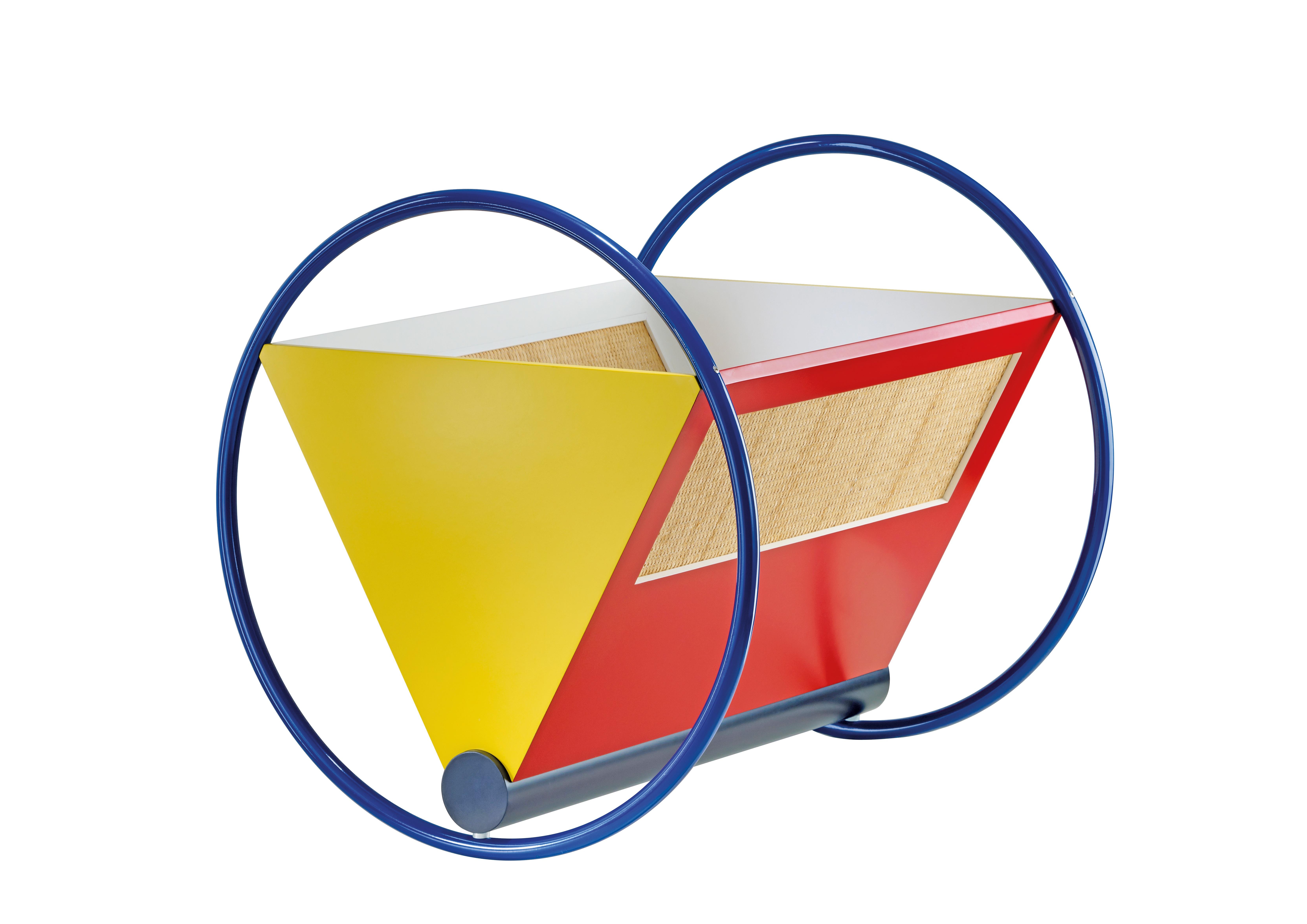 Geometrie als Inspirationsquelle: Die Babywiege von Peter Keler setzt sich aus Kreisen, Dreiecken und Rechtecken zusammen. BILDER: Thonet/Tecta/dpa-tmn