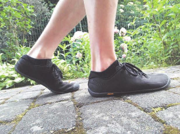 """Sogenannte """"Barfuß-Schuhe"""" bieten den Füßen volle Bewegungsfreiheit. Foto: privat"""