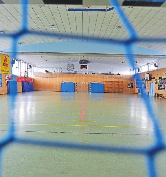 Die neuen Sportanlagen des ATSV Saarbrücken. Die Halle hat eine neue Decke erhalten. Foto: BeckerBredel