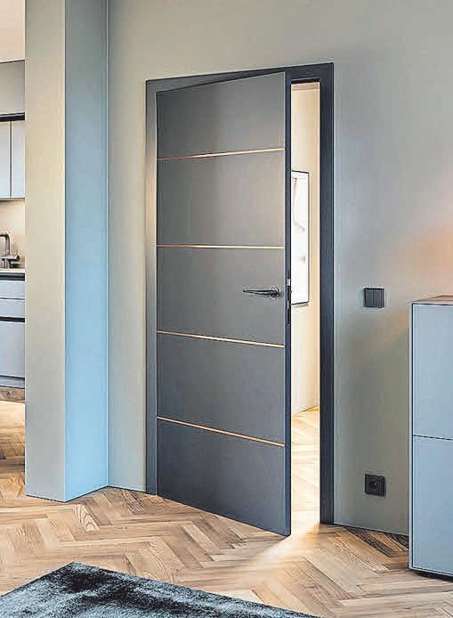 Bei der Huga-Türreihe Accura sorgen Lisenen für eine moderne Optik.