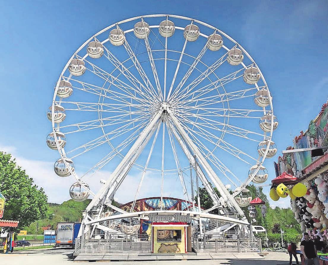 Das Hanse-Rad aus Rostock mit seinen 24 Gondeln wird auf dem Marktplatz in Schönberg stehen. Foto: Geisler