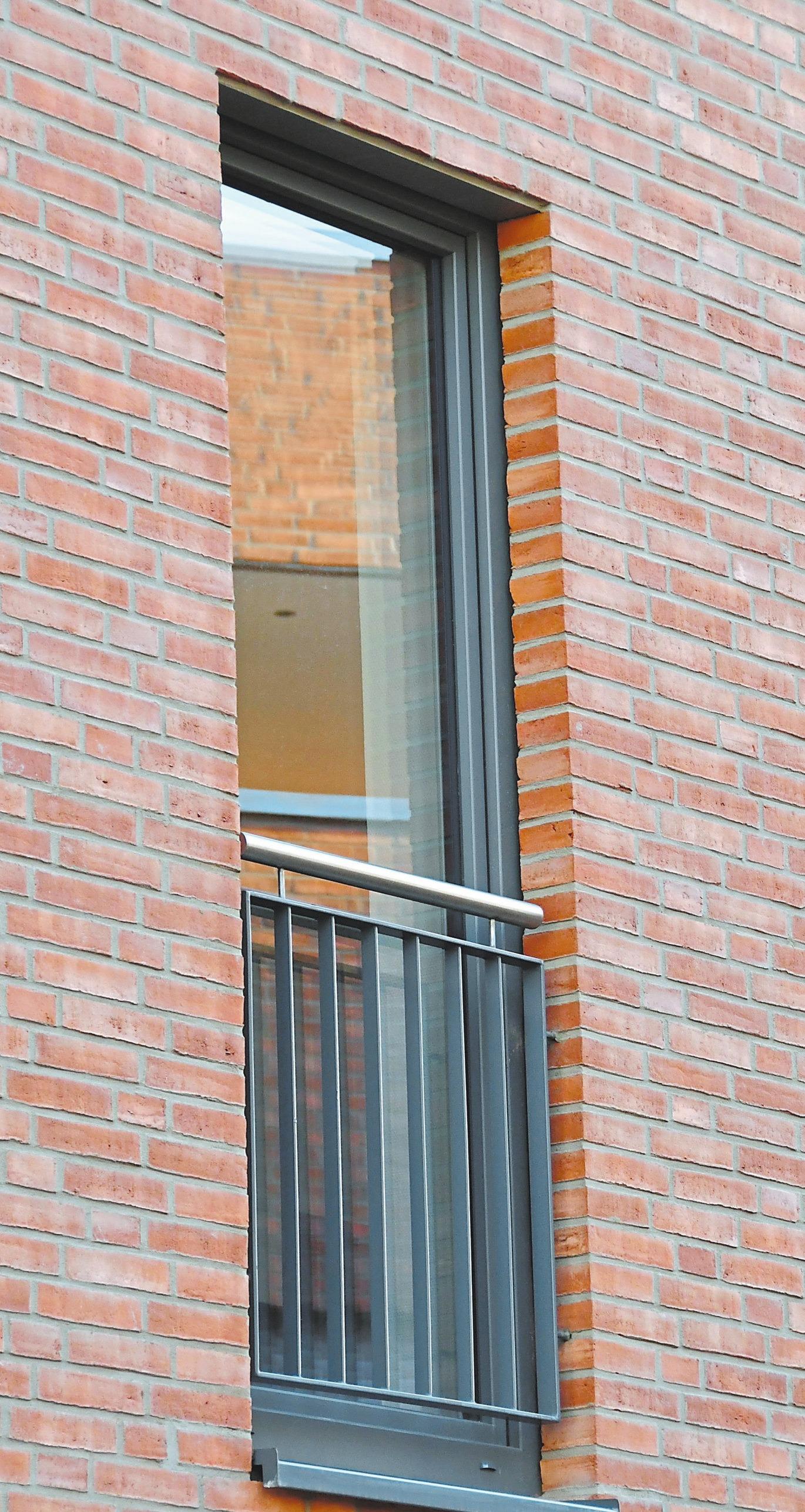 Ein Gestaltungsmerkmal: die bodentiefen Fenster.