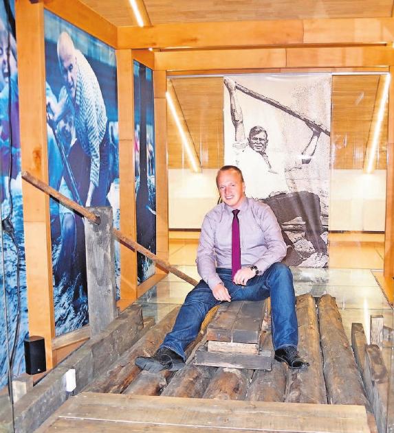 Alle Besucher können Platz auf einem echten Floß nehmen, das vier Jahre auf der Wilden Rodach seinen Dienst verrichtet hat. Fotos: hs