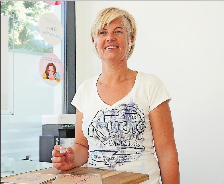 Bietet auch professionelle Hörtrainings für Hörgerät-Nutzer an: Hörakustik-Meisterin Heike Schreiber.FOTO: BRÄUNLING
