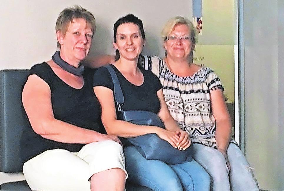 Annett Schäfer, Daniela Wähner und Gabriela Kirsten (v.l.) sind das Team der neuen Filiale, das sich mit Einfühlungsvermögen der Kundenbedürfnisse annimmt.Foto: Sanitätshaus Matthies