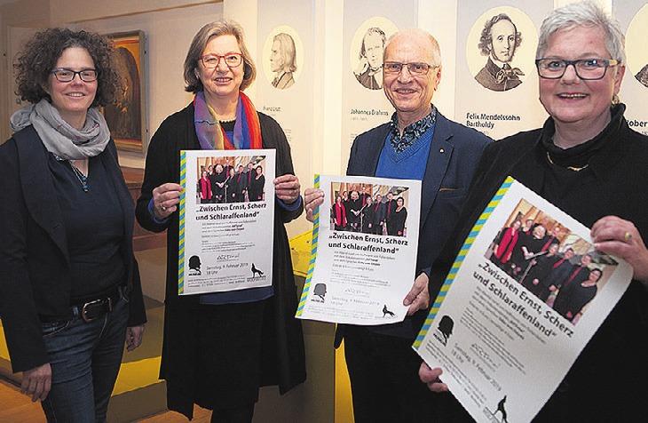 Nicole Trnka, Hoffmann-Museum, Petra Diepenthal-Fuder und Günter Pawel, beide Artonal und Monika Kiekenap-Wilhelm, Leiterin Hoffmann-Museum (von links).