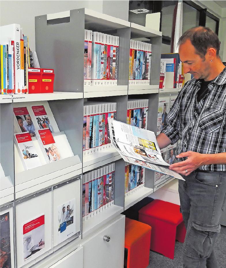 Ansprechpartner in Sachen Berufswelt: die Biz-Mitarbeiter, hier Ralf Müller in Ludwigshafen.FOTO: AGENTUR FÜR ARBEIT/FREI
