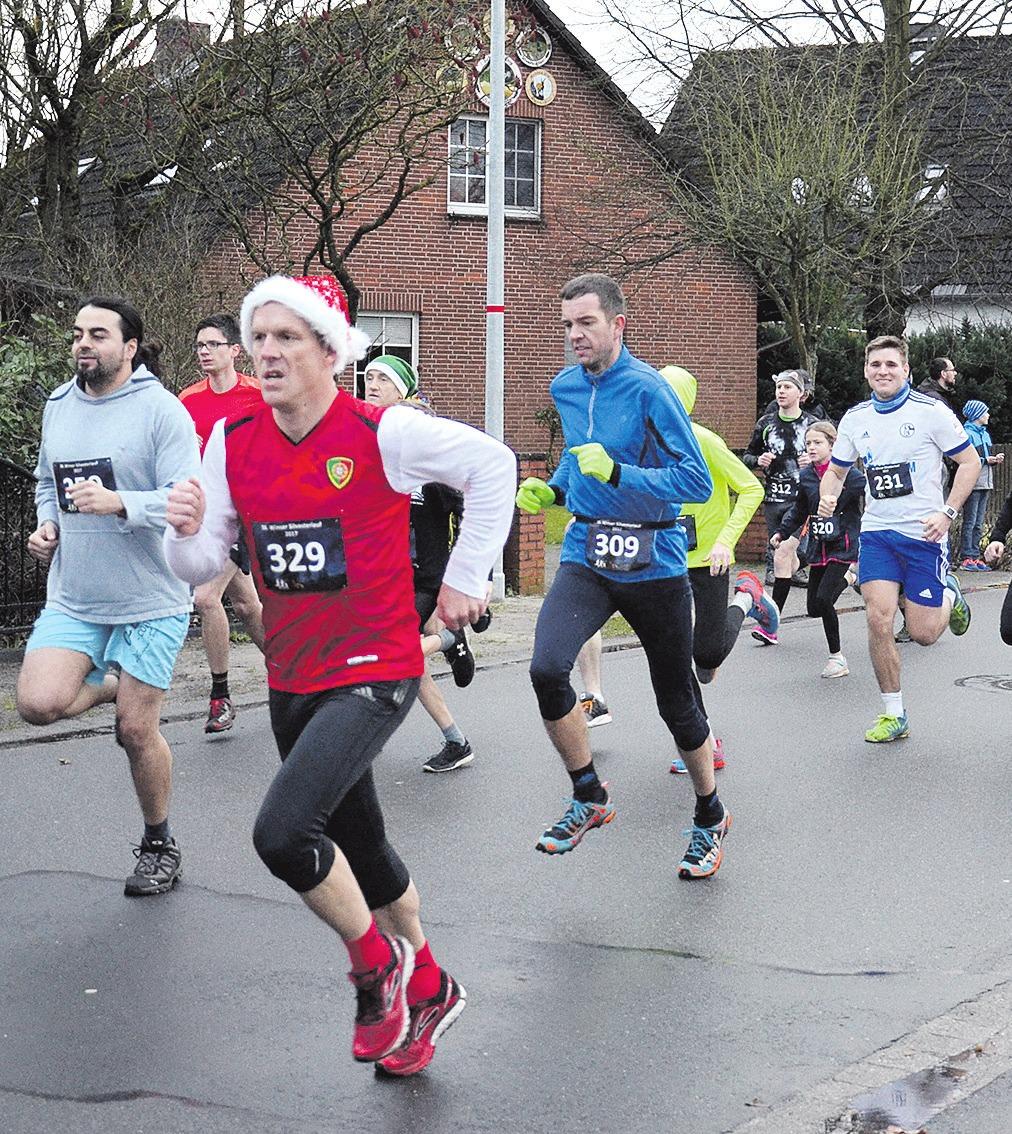 Jedes Jahr nehmen viele Läuferinnen und Läufer am Silvesterlauf in Winsen (Aller) teil. Archivfoto: Müller