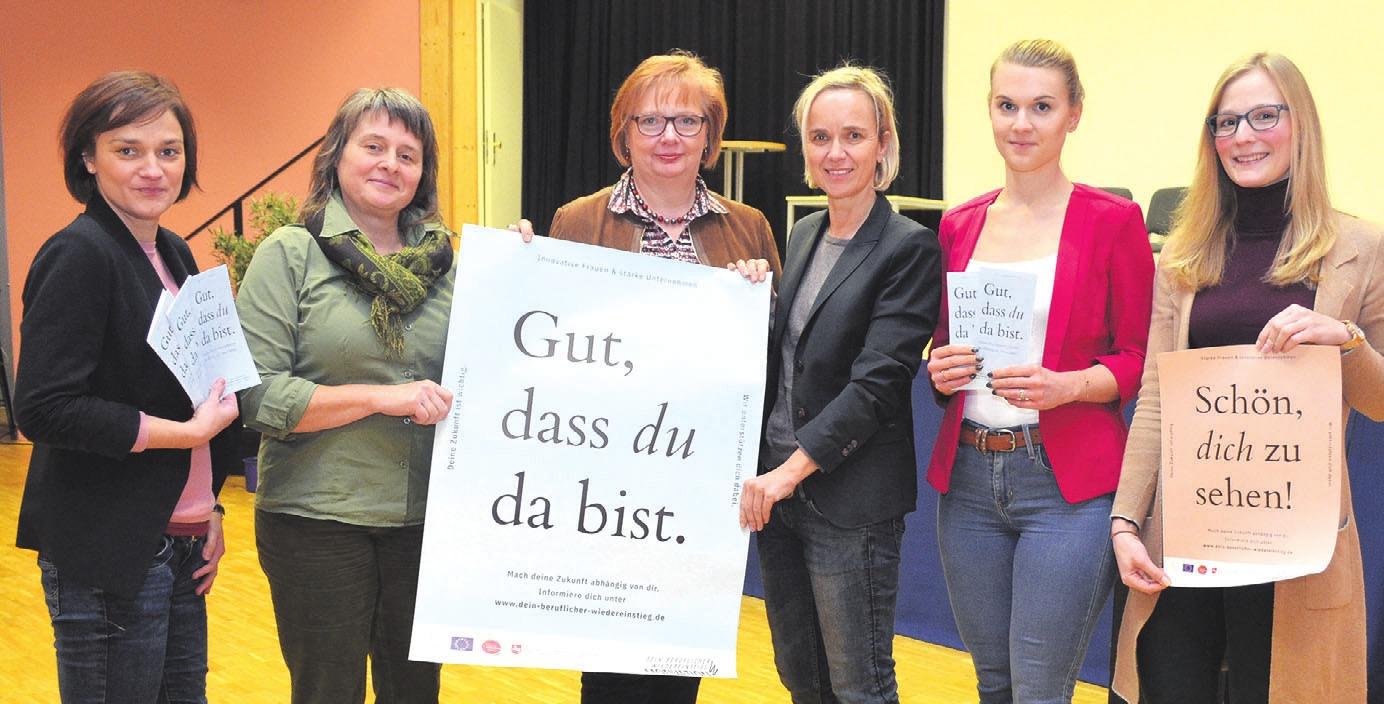 Vertreterinnen des Börsenteams im Saal der VHS: Susann Köhler, Bettina Klim, Beate Ebeling, Gabriele Kühne, Franziska Pönitzsch und Britta Steinkamp.