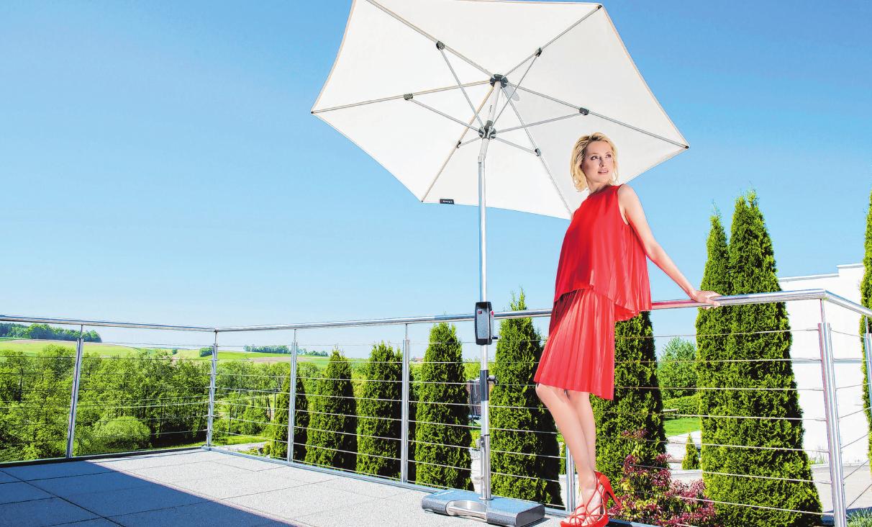 Egal ob für Terrasse oder Garten: Dank seiner Kompaktheit, runden Form und flexiblen Verstellbarkeit ist der Knirps ein idealer Schattenspender.    Foto: Knirps/epr