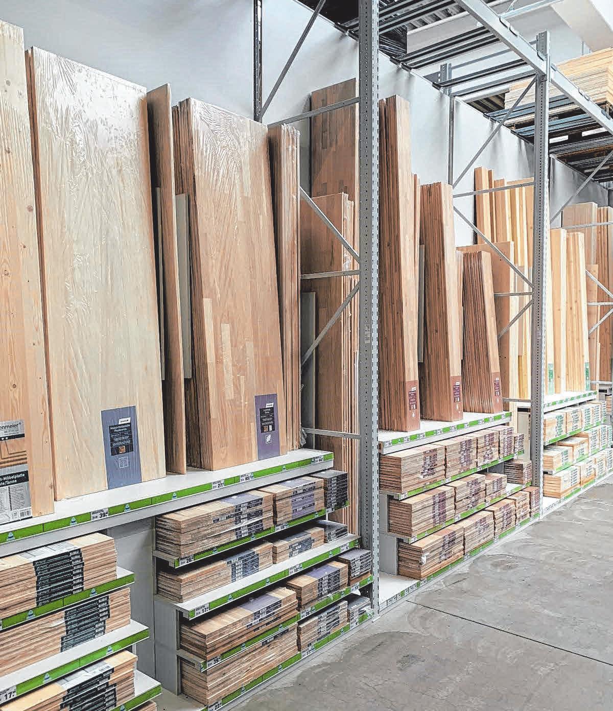 Die Baustoffhalle wurde im Januar umgebaut und neu strukturiert. FOTOS: TOOM BAUMARKT