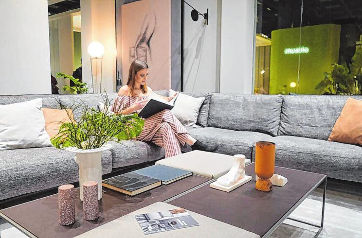 Gemütlichkeit trifft stilvolles Wohnen: Die internationale Einrichtungs- und Möbelmesse wurde zum besonderen Erlebnis. Fotos: Dr. Volker Gastreich