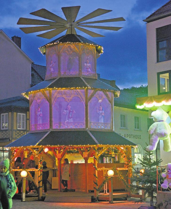 Der Weihnachtsmarkt lockt bis zum 22. Dezember in Meiningens Innenstadt. Hier können Besucher gemütliche Stunden im Kreise der Familie verbringen.Foto: Bilderbude Erdmann