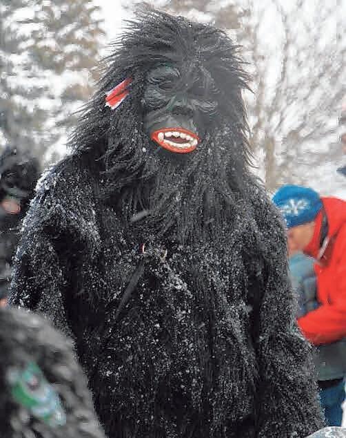 """Die Russenrieder Fasnetsfigur """"Gorilla"""""""