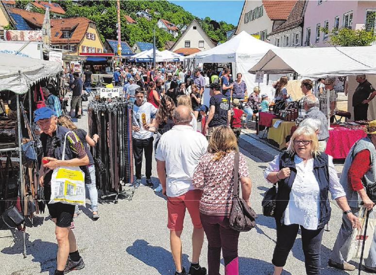 Am Pfingstmontag verwandeln sich die Braunsbacher Straßen rund um den Marktplatz in ein großes Freiluftkaufhaus.
