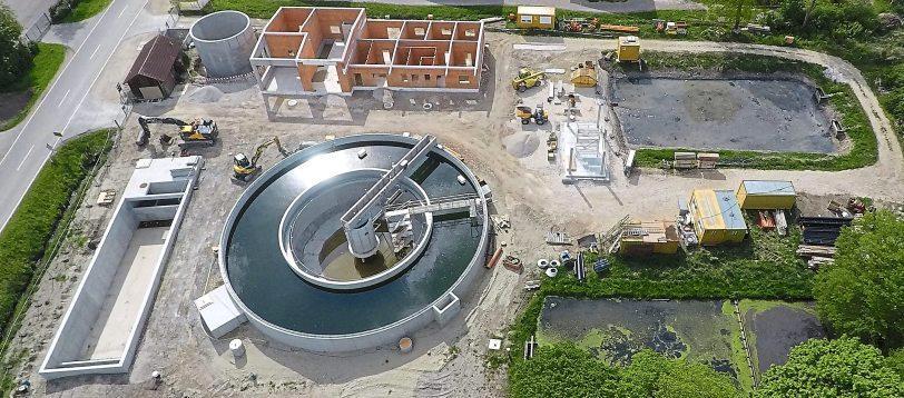 Vor einem Jahr wurde mit dem Neubau der Kläranlage Ehekirchen in Wallertshofen begonnen.