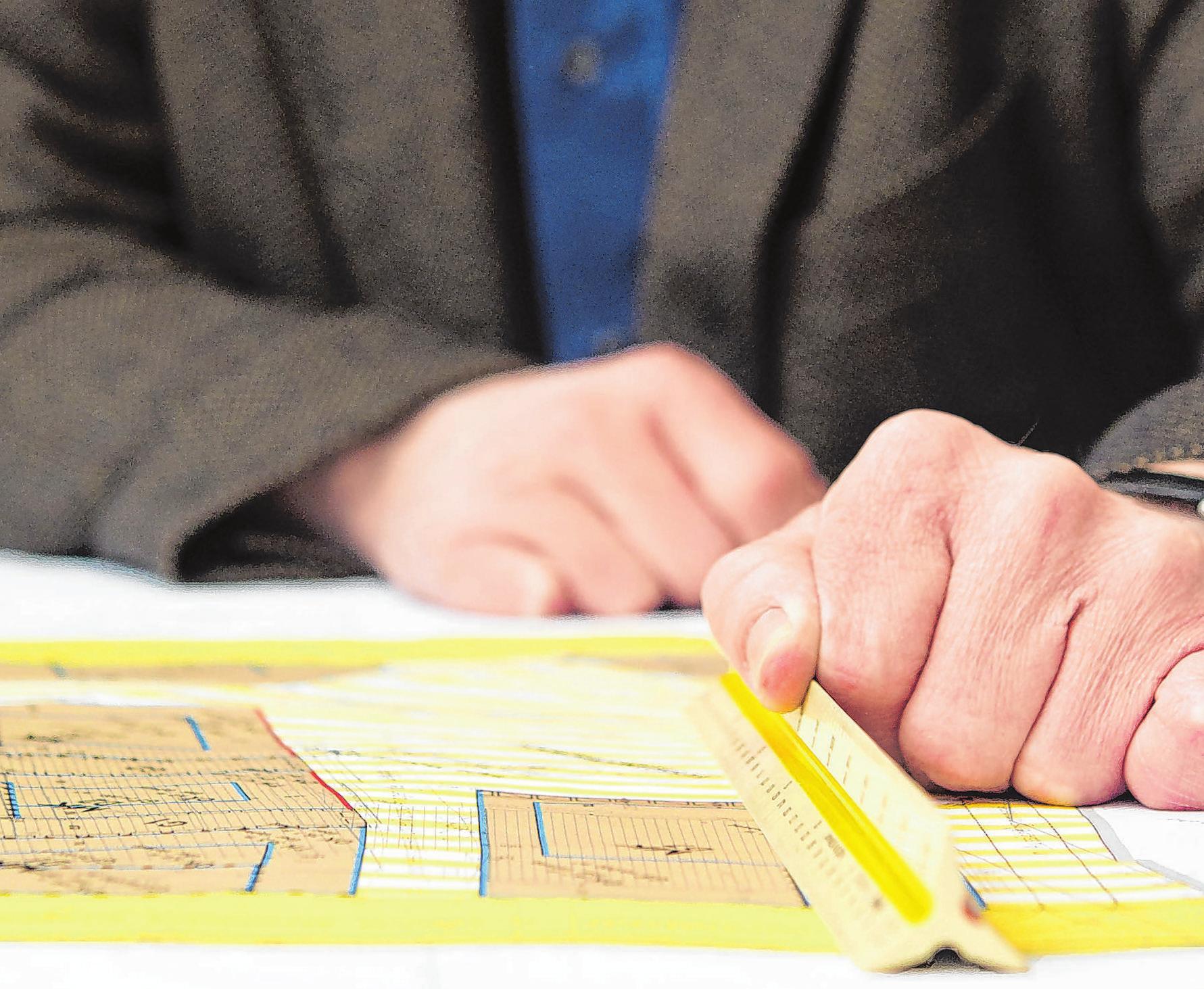 Der Bebauungsplan zeigt, ob eine Grundstücksteilung möglich ist. Foto: Gabbert/dpa-mag